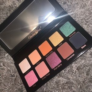 BRAND NEW EYESHADOW PALETTE